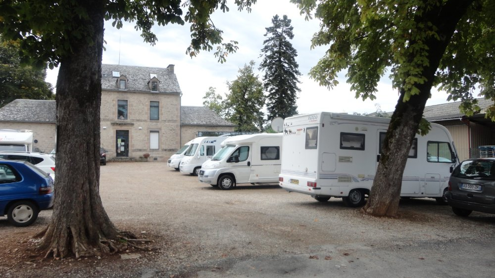 Aire camping-car à Bozouls (12340) - Photo 1